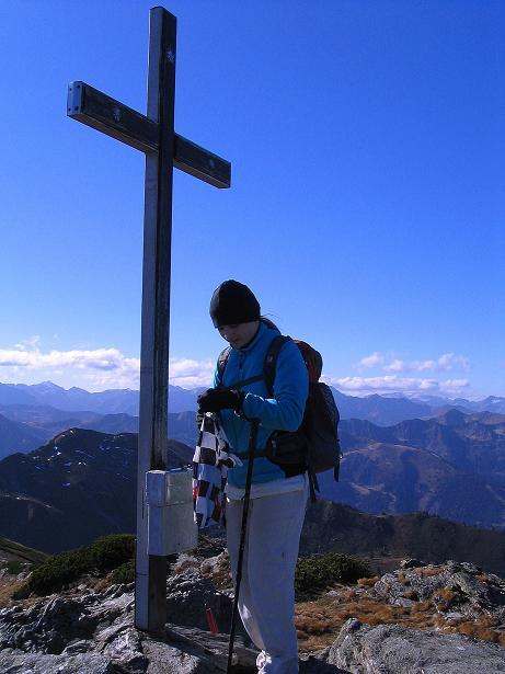 Foto: Andreas Koller / Wander Tour / Kammwanderung zum Schreinl (2154m) / Gipfelkreuz auf der Karlspitze / 04.11.2008 11:09:38