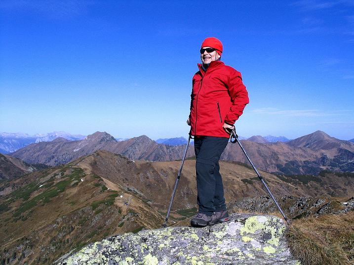 Foto: Andreas Koller / Wander Tour / Kammwanderung zum Schreinl (2154m) / Blick vom Schreinl-Gipfel nach N zum Toten Gebirge / 04.11.2008 11:05:47