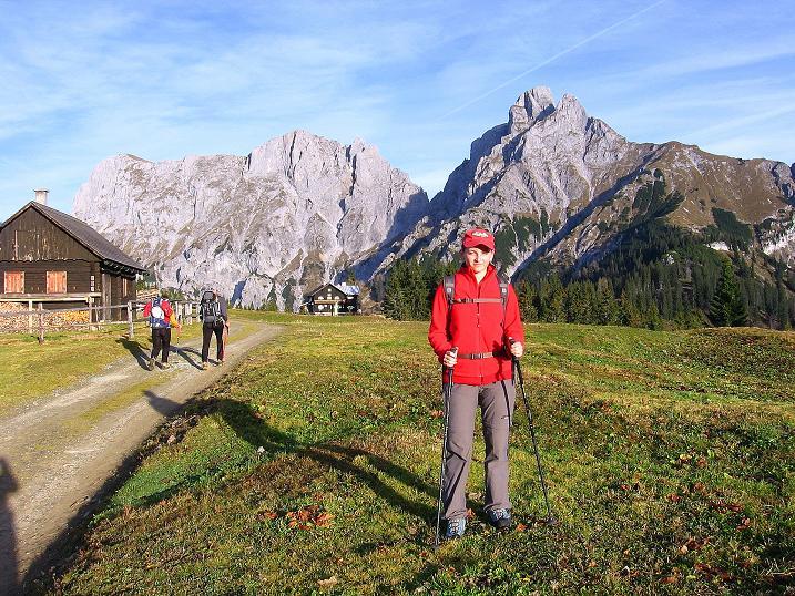 Foto: Andreas Koller / Wander Tour / Admonter Reichenstein (2251m) / Kalbling (2196 m), Sparafeld (2247 m) und der Admonter Reichenstein von der Mödlinger Hütte / 04.11.2008 21:25:30