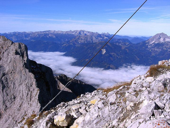 Foto: Andreas Koller / Wander Tour / Admonter Reichenstein (2251m) / Blick vom Reichenstein auf das Tote Gebirge und den Großen Pyhrgas (2244 m) / 04.11.2008 21:03:16