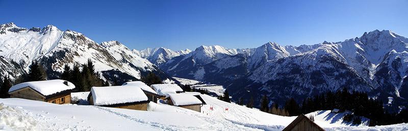 Foto: vince 51 / Schneeschuh Tour / Von Elbigenalp auf die Mutte (2187m) / Blick von der Bernhardseckhütte ins Lechtal und zu den Lechtaler Alpen / 10.11.2008 22:23:24