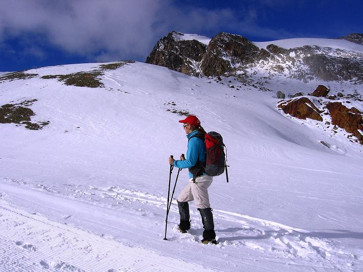Foto: Andreas Koller / Wander Tour / Über den Tiefenbachferner auf die Innere Schwarze Schneide (3370m) / Zum Tiefenbachferner mit Blick zur Inneren Schwarzen Schneide / 10.11.2008 22:46:31