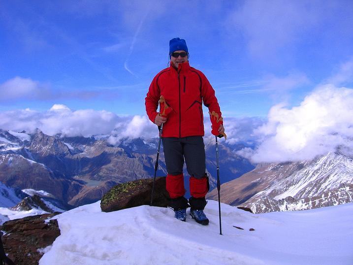 Foto: Andreas Koller / Wander Tour / Über den Tiefenbachferner auf die Innere Schwarze Schneide (3370m) / Am Tiefenbach Joch / 10.11.2008 22:44:18