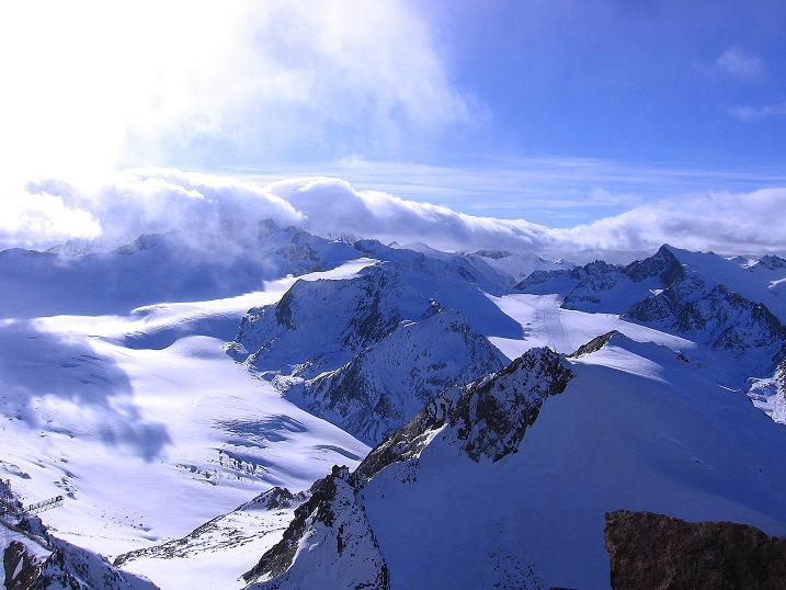 Foto: Andreas Koller / Wander Tour / Über den Tiefenbachferner auf die Innere Schwarze Schneide (3370m) / Blick nach SW auf den Mittelbergferner und die Wildspitze (3774 m) / 10.11.2008 22:41:05