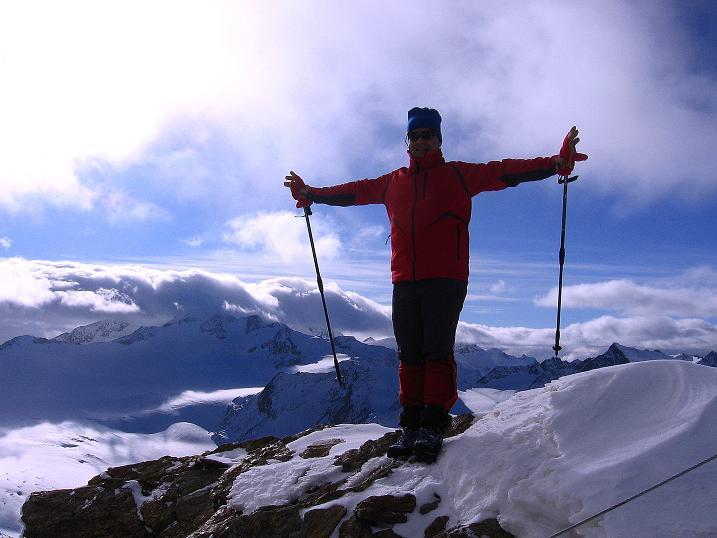 Foto: Andreas Koller / Wander Tour / Über den Tiefenbachferner auf die Innere Schwarze Schneide (3370m) / Auf der Inneren Schwarzen Schneide gegen Wildspitze (3774 m) / 10.11.2008 22:37:32