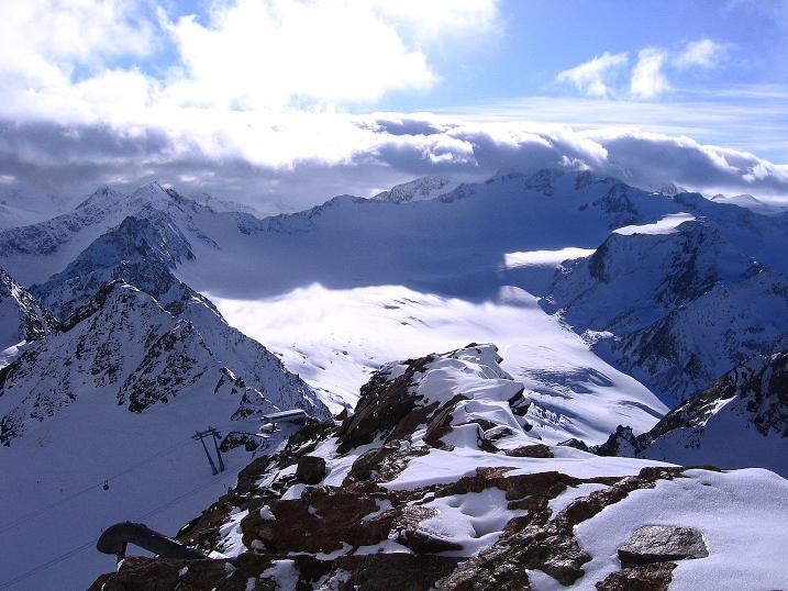 Foto: Andreas Koller / Wander Tour / Über den Tiefenbachferner auf die Innere Schwarze Schneide (3370m) / Blick in das Gletscherbecken des Mittelbergferner / 10.11.2008 22:37:04