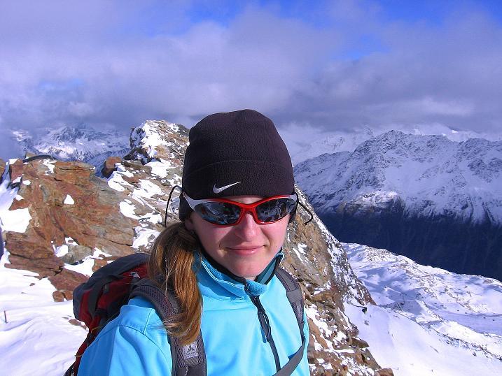 Foto: Andreas Koller / Wander Tour / Über den Tiefenbachferner auf die Innere Schwarze Schneide (3370m) / Auf der Inneren Schwarzen Schneid gegen die im O gelegenen Stubaier Alpen / 10.11.2008 22:36:13