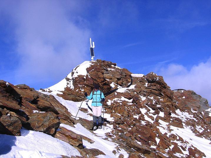 Foto: Andreas Koller / Wander Tour / Über den Tiefenbachferner auf die Innere Schwarze Schneide (3370m) / Abstieg vom Gipfel / 10.11.2008 22:35:05