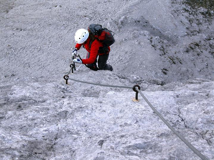 Foto: Andreas Koller / Klettersteig Tour / Klettersteig auf die Wankspitze (2219m) / Ausstieg aus der steilen Bügelreihe / 12.11.2008 01:08:20