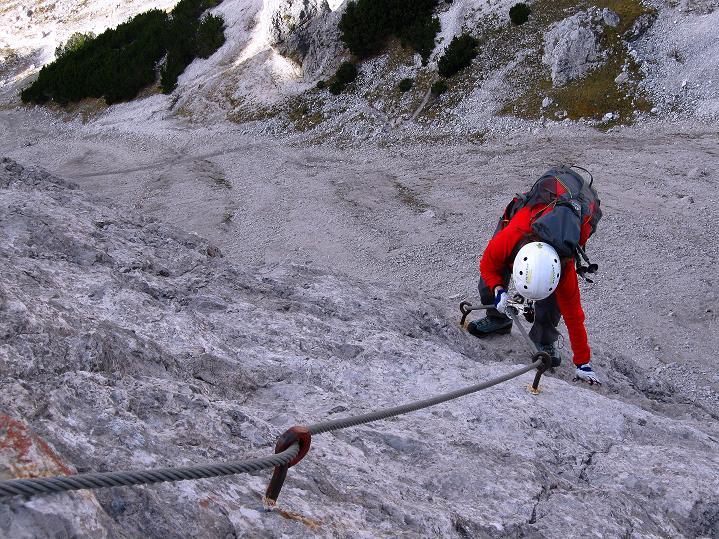 Foto: Andreas Koller / Klettersteig Tour / Klettersteig auf die Wankspitze (2219m) / Gelände oberhalb der steilen Bügelreihe / 12.11.2008 01:08:00