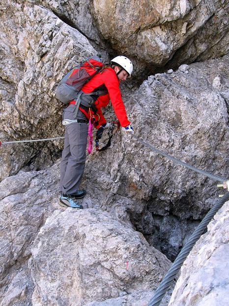 Foto: Andreas Koller / Klettersteig Tour / Klettersteig auf die Wankspitze (2219m) / Originelle Überschreitung eines Klemmblocks / 12.11.2008 01:04:35