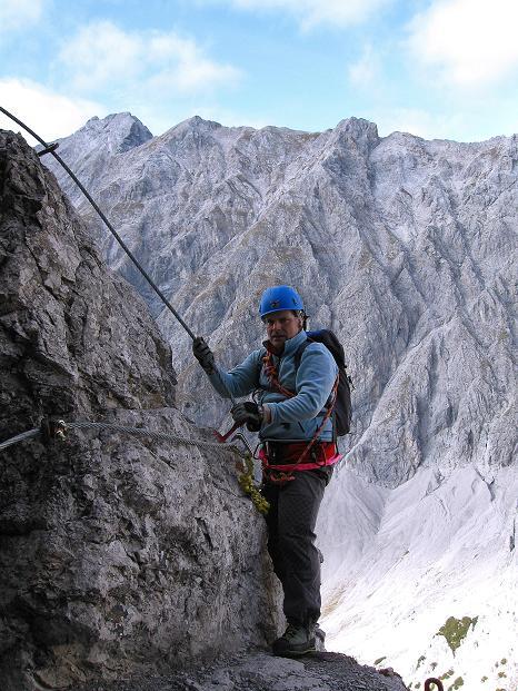 Foto: Andreas Koller / Klettersteig Tour / Klettersteig auf die Wankspitze (2219m) / Nach dem Klemmblock zu einer scharfen Kante / 12.11.2008 01:04:16