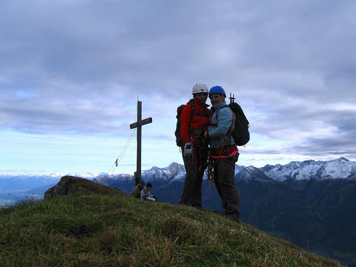 Foto: Andreas Koller / Klettersteig Tour / Klettersteig auf die Wankspitze (2219m) / Am überraschend grünen Wankspitz-Südgipfel  / 12.11.2008 00:57:30