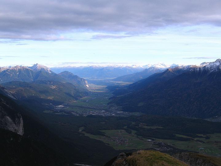Foto: Andreas Koller / Klettersteig Tour / Klettersteig auf die Wankspitze (2219m) / Blick nach O Richtung Innsbruck / 12.11.2008 00:55:46