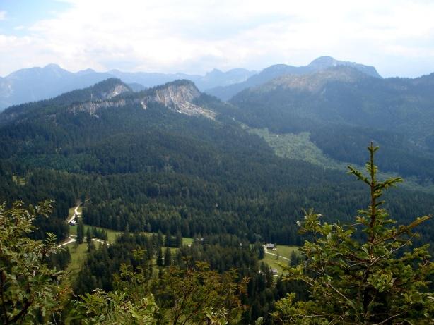 Foto: Manfred Karl / Klettersteig Tour / Mein Land – Dein Land Klettersteig / Zwerchwand, ebenfalls mit einem Klettersteig verziert. Dieser ist jedoch nicht öffentlich zugänglich. / 13.11.2008 21:31:02