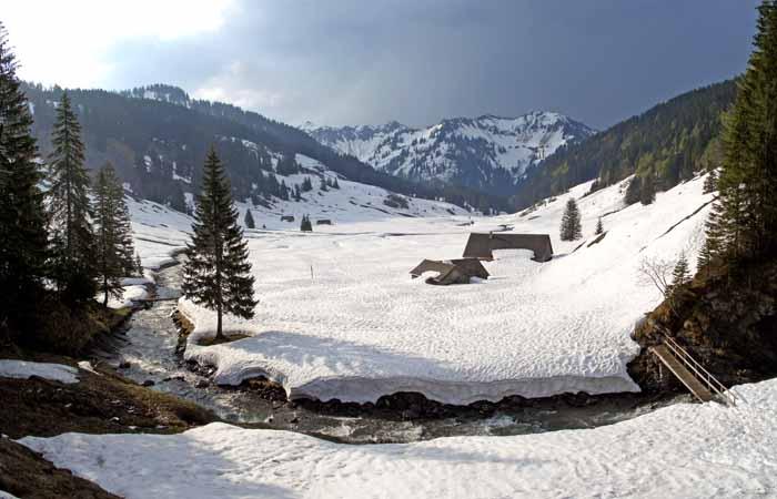 Foto: vince 51 / Schneeschuh Tour / Mit Schneeschuhen auf den Hohen Freschen / Die Hintere Garnitzaalpe / 20.11.2008 22:44:12