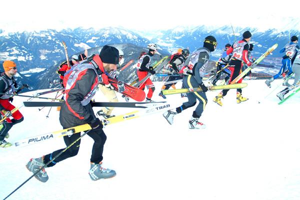 Foto: Romana Koeroesi / Ski Tour / CHAMP OR CRAMP 24.1.2009 / Massenstart / 20.11.2008 11:48:11