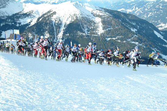 Foto: Romana Koeroesi / Ski Tour / CHAMP OR CRAMP 24.1.2009 / Massenstart 2006 / 20.11.2008 11:47:56