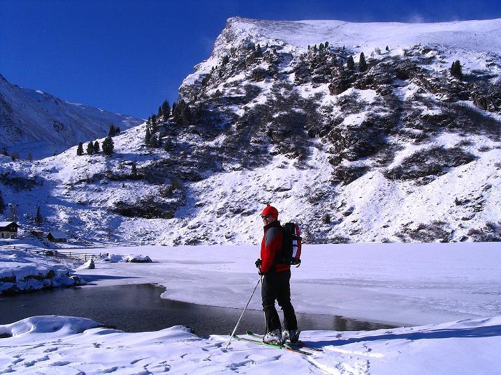 Foto: Andreas Koller / Ski Tour / Vom Falkertsee auf den Falkert (2308m) / Blick vom Falkertsee zur Falkertspitze / 24.11.2008 23:07:07