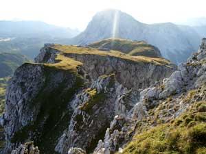 Foto: Datzi / Wander Tour / Rundtour von der Winterhöh ( Wildalpen) mit Anstieg zur Schaufelwand und Brandstein ( Biwak ) u.Abstieg über dem Teufelssee / Bergwiese auf der Schaufelwand ( Blick zurück vom Aufstieg zur Schaufelwand) / 06.12.2008 15:06:43