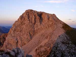 Foto: Datzi / Wander Tour / Rundtour von der Winterhöh ( Wildalpen) mit Anstieg zur Schaufelwand und Brandstein ( Biwak ) u.Abstieg über dem Teufelssee / Der Blick zum Gr. Griesstein beim Sonnenuntergang / 06.12.2008 15:07:12