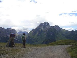 Foto: Datzi / Wander Tour / Rundtour im Gr. Walsertal auf die Rote Wand ( Biwak ) / Übergang von Birnhornhütte zur Laguzalpe ( Gronggenkopf ) / 06.12.2008 18:37:13