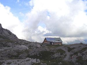 Foto: Datzi / Wander Tour / Rundtour im Gr. Walsertal auf die Rote Wand ( Biwak ) / Göppingerhütte / 06.12.2008 18:39:58
