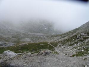 Foto: Datzi / Wander Tour / Rundtour im Gr. Walsertal auf die Rote Wand ( Biwak ) / Abstieg von der Göppingerhütte zum Mutterwangjoch / 06.12.2008 18:40:08