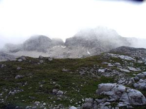 Foto: Datzi / Wander Tour / Rundtour im Gr. Walsertal auf die Rote Wand ( Biwak ) / Die Gipfel kamen beim Abstieg immer wieder kurz hervor / 06.12.2008 18:40:13