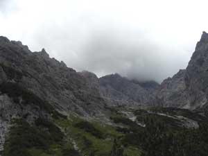 Foto: Datzi / Wander Tour / Rundtour am Steineren Meer über den Hochseiler ( Biwak ) - Brandhorn und Selphorn / Blick zum Aufstieg ( Hier braut saich schon ein Gewitter zusammen ) / 07.12.2008 18:35:24