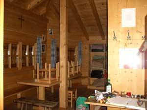 Foto: Datzi / Wander Tour / Rundtour am Steineren Meer über den Hochseiler ( Biwak ) - Brandhorn und Selphorn / Die Bertgenhütte ( 12 Betten u. Geschirr, hier lann man gemütlich eine Nacht verbringen ) / 07.12.2008 18:35:30