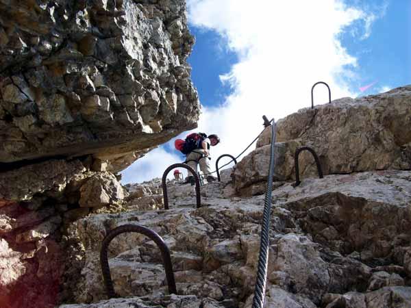 Foto: Datzi / Klettersteig Tour / Rundtour 2. Tage über die Hohe Gamsfeldspitze zur Scheichenspitze ( Biwak ) / Gut gesichert mit Stiften u. Seil / 08.12.2008 08:23:38
