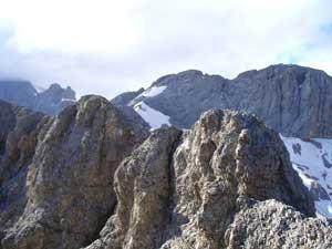 Foto: Datzi / Klettersteig Tour / Rundtour 2. Tage über die Hohe Gamsfeldspitze zur Scheichenspitze ( Biwak ) / Der Klettersteig mit Blick zurück zum Koppenkarstein / 07.12.2008 21:00:30