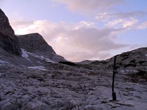 Foto: Datzi / Wander Tour / Rundtour über das Gr. Tragl ( Biwak ) und Hochkasten / Das Jungbauernkreuz / 08.12.2008 12:29:45