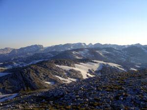 Foto: Datzi / Wander Tour / Rundtour über das Gr. Tragl ( Biwak ) und Hochkasten / Die Überschreitung der Hochfläche immer entlang auf den Bergrücken , außer vor dem Hochkasten / 08.12.2008 12:31:00