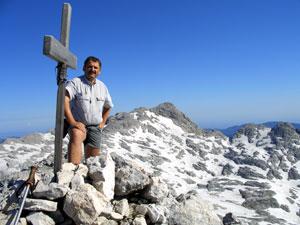 Foto: Datzi / Wander Tour / Rundtour über den Schemlberg (Biwak) zum Temelberg / Das Gipfelkreuz vom Temlberg / 08.12.2008 15:10:52