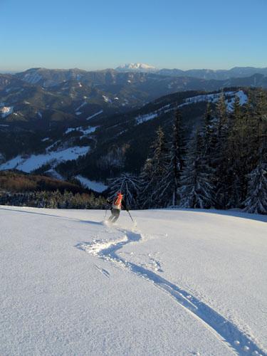 Foto: Kurt Schall / Ski Tour / Türnitzer Schwarzenberg 1096 m Von Osten über die Torstallwiese / 11.12.2008 12:24:19