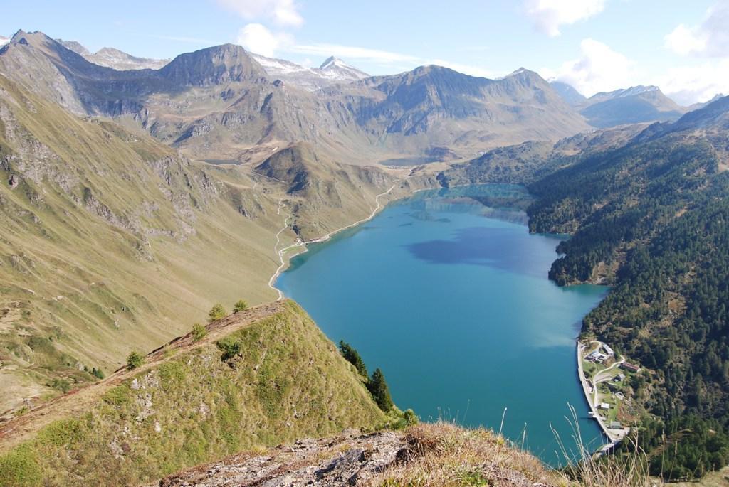 Foto: Lago Ritom / Mountainbike Tour / Gottardo Bike  / Blick auf das Piora Tal (Val Piora) und Ritom See / 14.12.2008 00:58:59