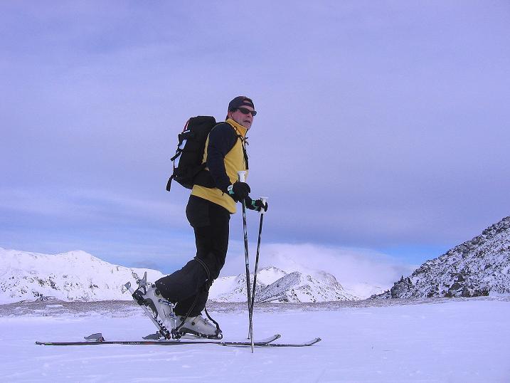 Foto: Andreas Koller / Ski Tour / Vom Plannerkessel in den Gullinggraben (2054m) / Am Sattel zwischen Großem Rotbühel und Gläserkoppe / 15.12.2008 01:42:06