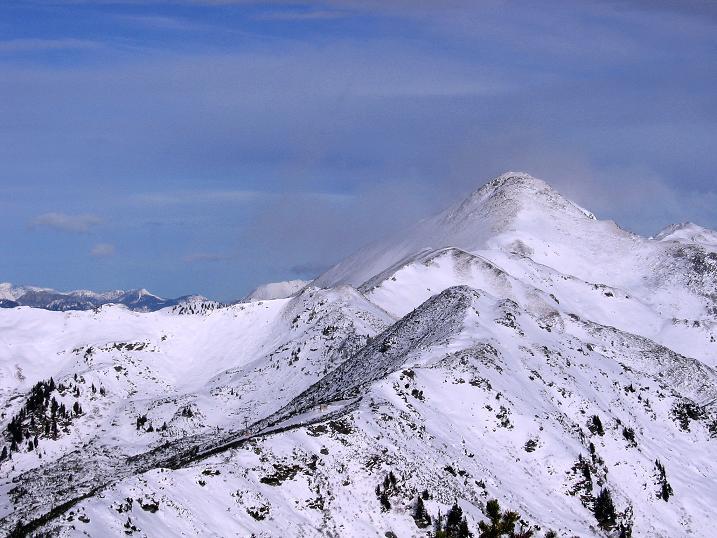 Foto: Andreas Koller / Ski Tour / Vom Plannerkessel in den Gullinggraben (2054m) / Im O zeigt sich der Hochrettelstein (2220 m) / 15.12.2008 01:38:19