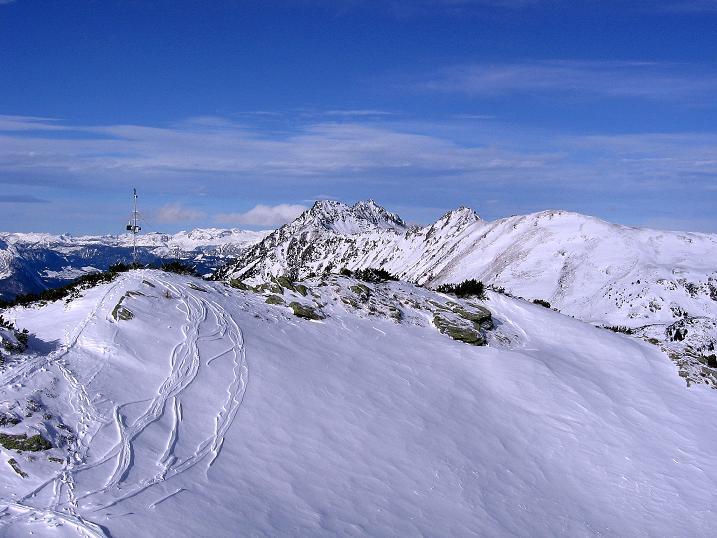 Foto: Andreas Koller / Ski Tour / Vom Plannerkessel in den Gullinggraben (2054m) / Blick über den Doppelgipfel des Großen Rotbühel nach N / 15.12.2008 01:37:50