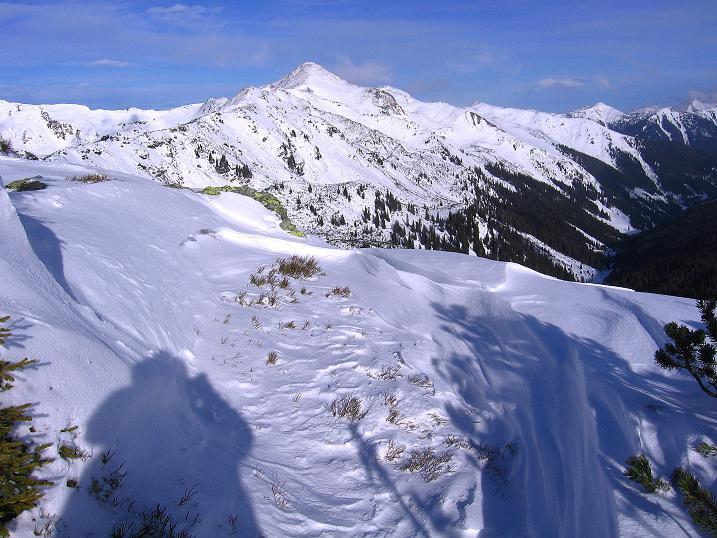 Foto: Andreas Koller / Ski Tour / Vom Plannerkessel in den Gullinggraben (2054m) / Blick zum Hochrettelstein (2220 m) / 15.12.2008 01:36:49