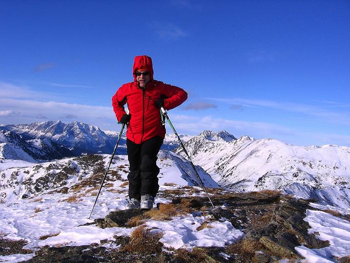 Foto: Andreas Koller / Ski Tour / Vom Plannerkessel in den Gullinggraben (2054m) / Den Gipfel der Hintergullingspitze erreicht / 15.12.2008 01:32:25