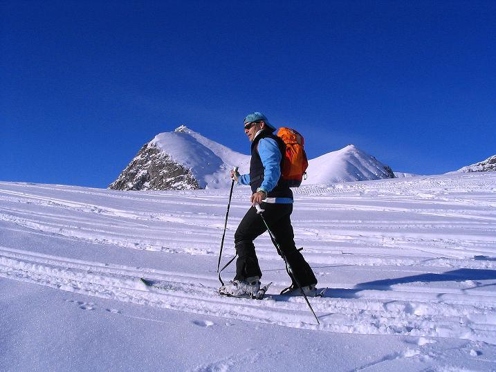 Foto: Andreas Koller / Ski Tour / Anfängertour auf den Spieler (2080m) / Aufstieg im Angesicht des Großen Iffinger (2581 m) / 15.12.2008 02:19:26
