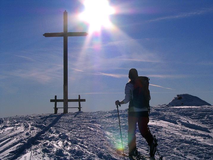 Foto: Andreas Koller / Ski Tour / Anfängertour auf den Spieler (2080m) / Die letzten Meter zum Gipfelkreuz / 15.12.2008 02:17:59
