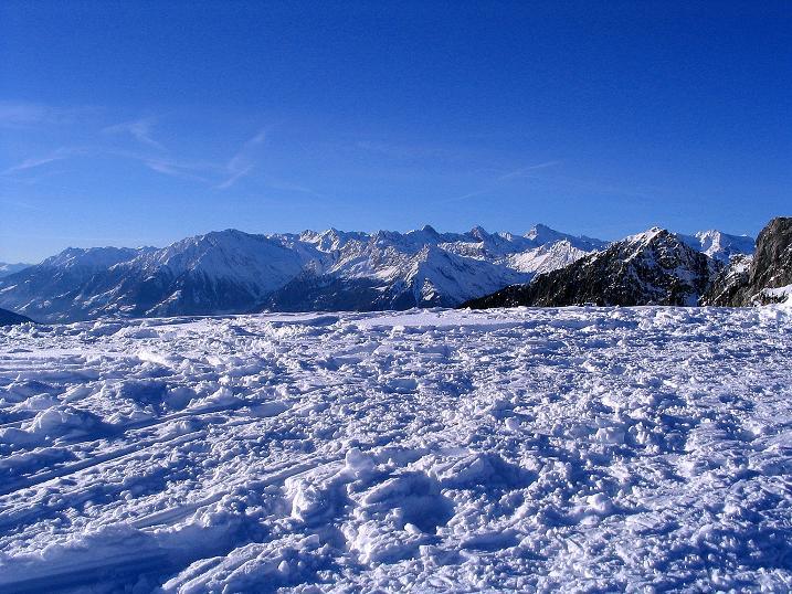 Foto: Andreas Koller / Ski Tour / Anfängertour auf den Spieler (2080m) / Blick vom Spieler in die Texelgruppe / 15.12.2008 02:15:07