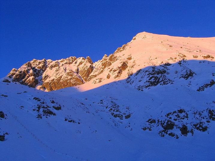 Foto: Andreas Koller / Ski Tour / Anfängertour auf den Spieler (2080m) / Abendrot auf der Verdinser Plattenspitze (2680 m) / 15.12.2008 02:09:36