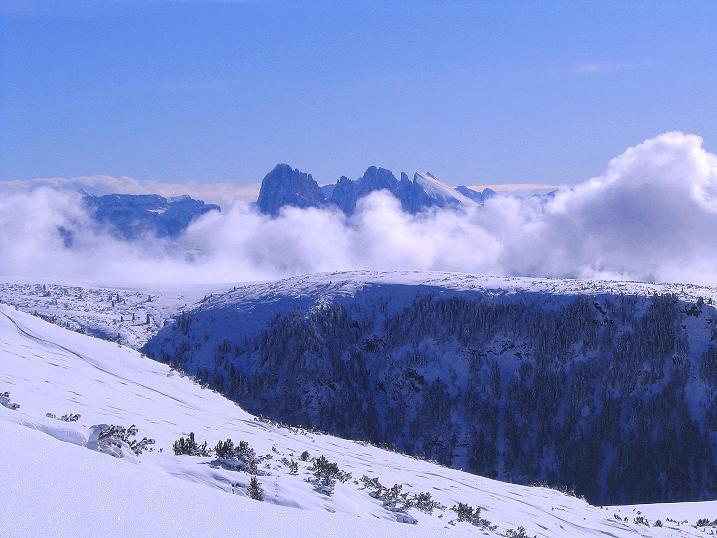 Foto: Andreas Koller / Ski Tour / Von Reinswald auf die Getrumspitze (2589m) / Langkofel (3181 m) und Plattkofel (2958 m) / 15.12.2008 03:01:06