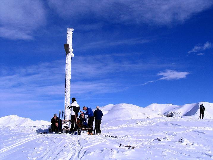 Foto: Andreas Koller / Ski Tour / Von Reinswald auf die Getrumspitze (2589m) / Sättlespitze Gipfelkreuz / 15.12.2008 02:56:40
