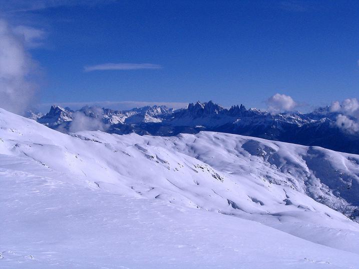 Foto: Andreas Koller / Ski Tour / Von Reinswald auf die Getrumspitze (2589m) / Blick zur Geislergruppe in den Dolomiten / 15.12.2008 02:52:57